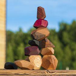 Набор Туми Иши (гора камней)