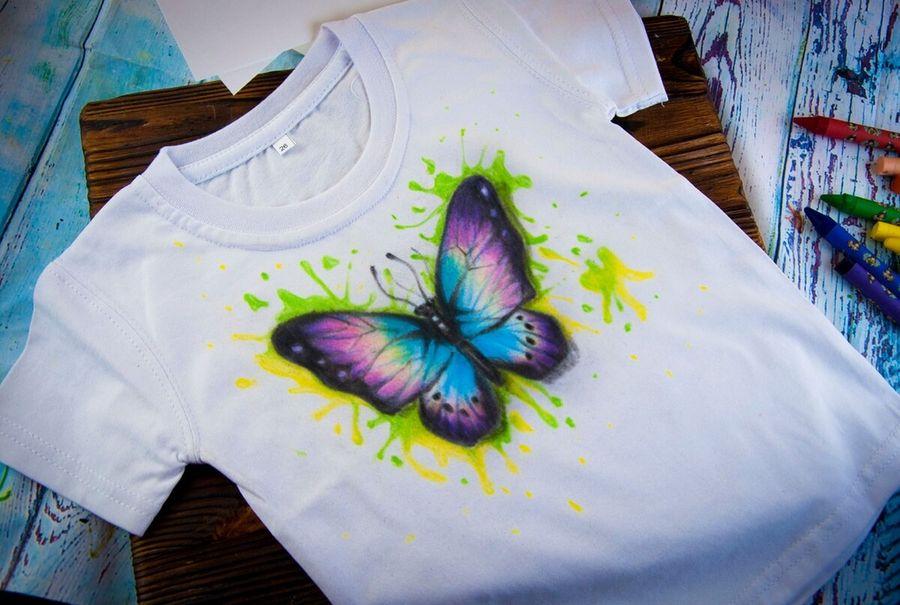 Рисуем на футболке восковым карандашем