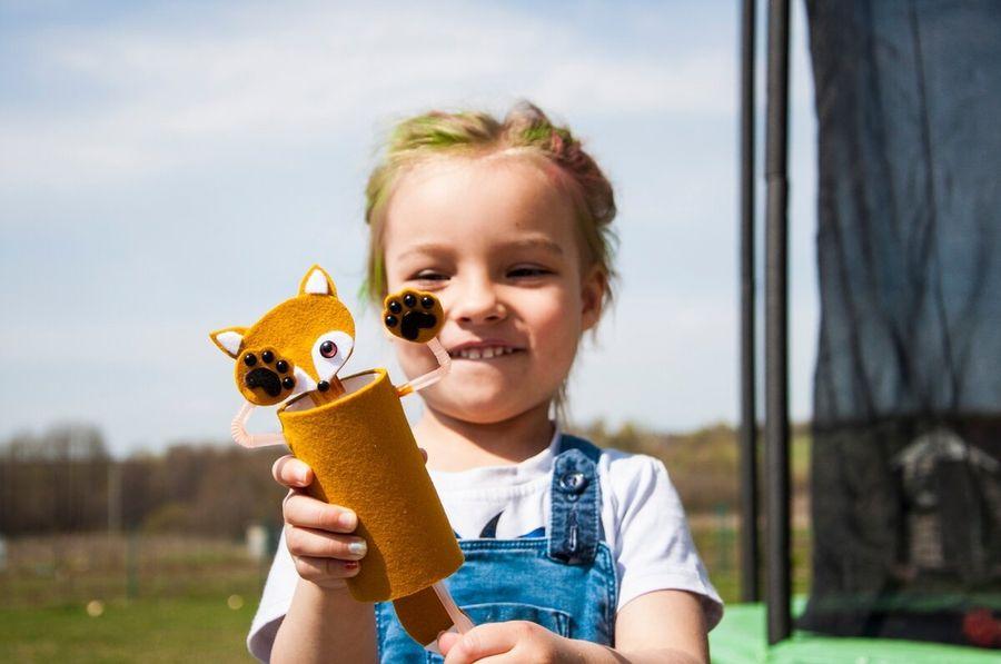 Подвижная игрушка для ребенка из того что было
