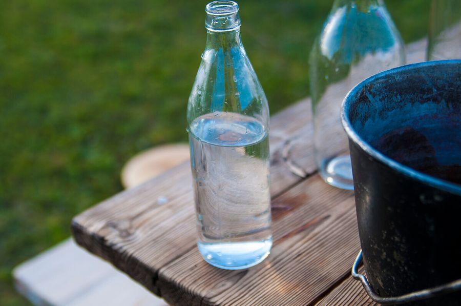 Можно ли разрезать бутылку маслом и водой? Проверяем опыт из интернета